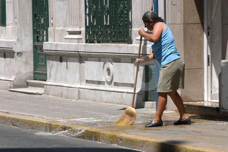 Aumentan los aportes para empleadas domésticas