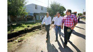 Continúan las obras de cordón cuneta y desagües en las calles de Barranquitas Oeste