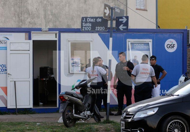 La Policía Comunitaria de Santa Fe detuvo a dos personas con pedido de captura