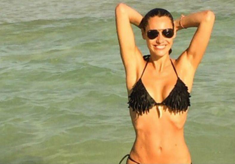 Pampita publicó fotos en bikini y desde las playas de Miami