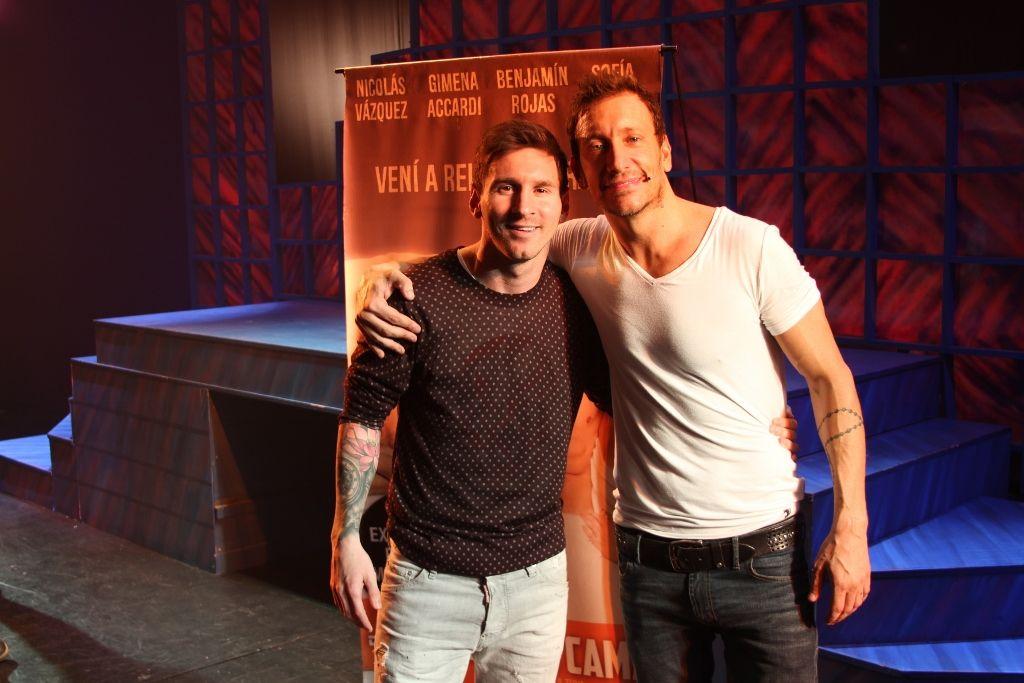 ¡Gran sorpresa! Lionel Messi fue a ver a Nico Vázquez al teatro