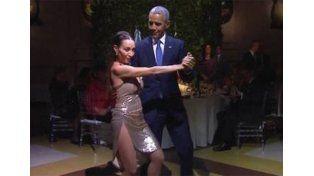 En Estados Unidos criticaron duramente a Obama por bailar tango con Mora Godoy