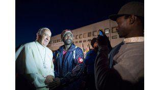 Jueves Santo: el papa Francisco lavó los pies a 12 refugiados