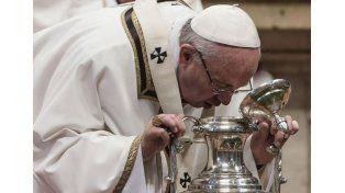 El Papa volvió a apuntar contra el consumismo en Jueves Santo