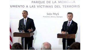Obama junto a Macri en el Parque de la Memoria.