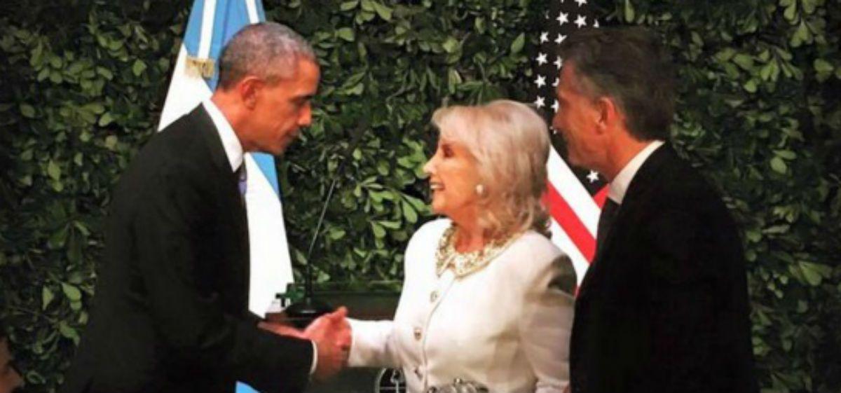 El apretón de manos de Mirtha con Barack Obama