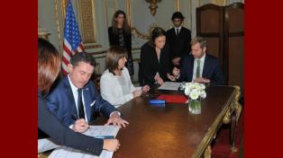 Frigerio y Bullrich firmaron un convenio de seguridad con el embajador de los Estados Unidos