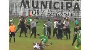 Video: por incidentes, suspendieron un partido en Misiones