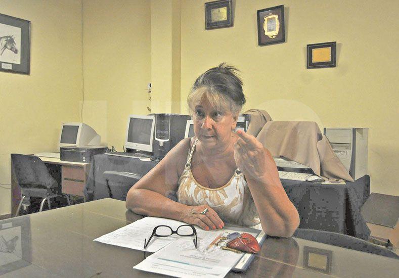 Todo en orden. Susana Spizzamiglio trabaja junto a sus pares de comisión directa con el fin de ver crecer a la entidad./ José Busiemi.