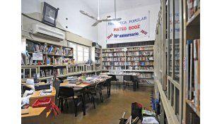 Un bien. Los socios de la vecinal tienen acceso a la Biblioteca Mateo Booz./ José Busiemi.