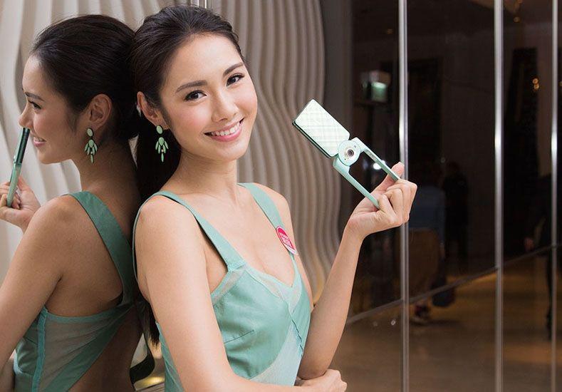 En China hace furor una cámara que occidentaliza los rostros