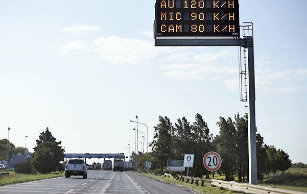 Alerta. La señalización advierte sobre la velocidad máxima en el tramo santafesino.