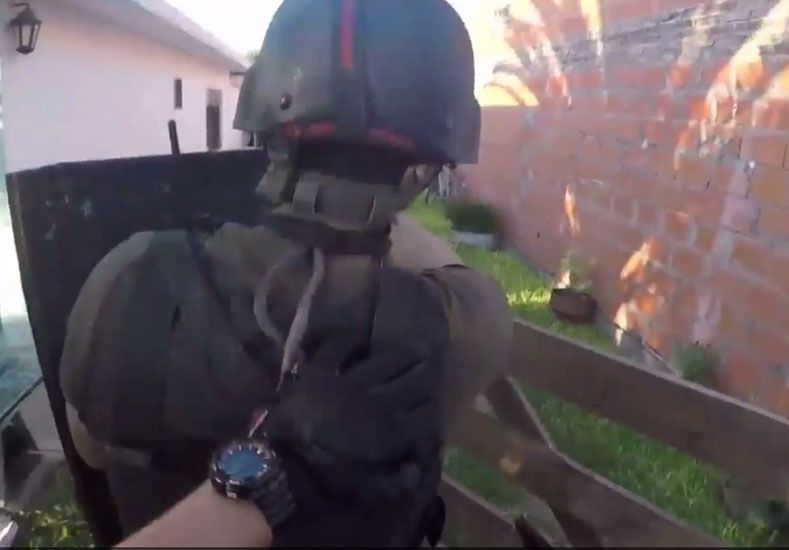 Video: personal policial secuestró cocaína y marihuana en Roldán