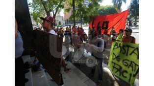 Denuncian un caso de gatillo fácil en barrio San Lorenzo