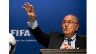 Increíble: lo que ganó Blatter mientras el fútbol perdía