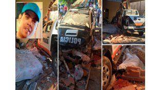 Un patrullero chocó contra una casa y mató a una persona