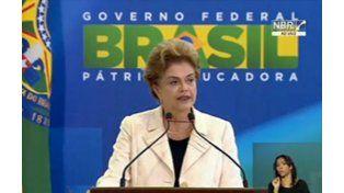 Dilma tomó juramento a Lula como jefe de Gabinete en medio de un tenso acto.