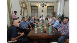 Del encuentro participaron dirigentes de Colón y Unión y funcionarios del ministerio de Seguridad.