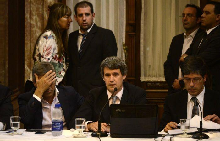 El ministro de Hacienda y Finanzas expuso esta tarde en el Senado las condiciones de pago a los holdouts.