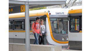 """""""Experimental"""". Esa es la etapa en que se encuentra el tren. Los viajes son gratis y no tienen horarios. UNO de Santa Fe/Manuel Testi"""