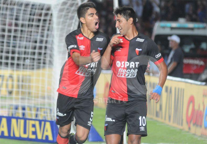 Poblete no terminó bien el partido frente a River pero jugará el Clásico del próximo sábado / Foto: José Busiemi - Uno Santa Fe