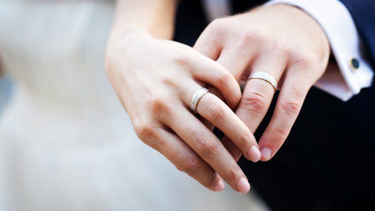 Cuánto tiempo debe esperar una pareja para casarse