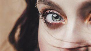 Esto es lo que tus ojos dicen sobre tus emociones ocultas