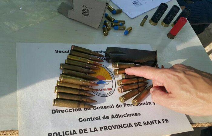Dos hombres fueron detenidos y dos mujeres demoradas en los allanamientos en Villa Gobernador Gálvez.