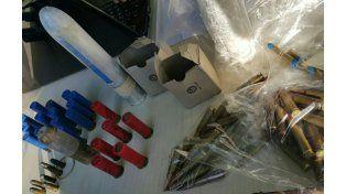 Una tumbera y cartuchos y balas de diferentes calibres fueron hallados en un rancho en Villa Gobernador Gálvez.