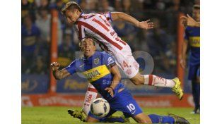 Carlos Tevez apareció en el epílogo para amargarle la noche a un Unión que tenía prácticamente el empate en el bolsillo. /Télam