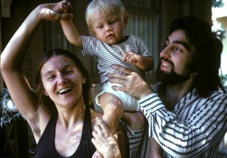El curioso detalle en la foto de DiCaprio bebé que no pasó desapercibido