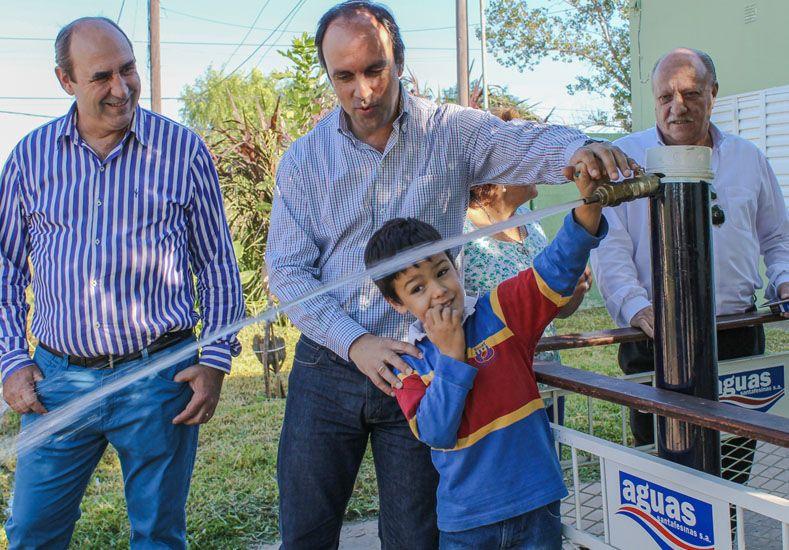 Más vecinos de barrio Pompeya ya cuentan con agua potable
