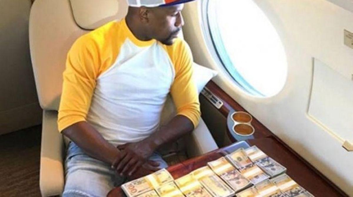 Floyd Mayweather regaló un millón de dólares