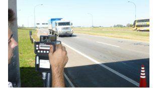 El Parlamento provincial declaró violatorio el sistema de multas de tránsito por fotografías. (Foto de archivo)