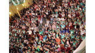 Los plenarios de delegados de UPCN y ATE aceptaron la propuesta salarial del gobierno