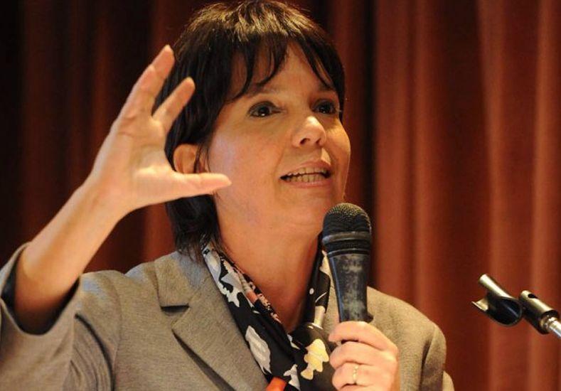 Mercedes Marcó del Pont: Me hago cargo del cepo al dólar