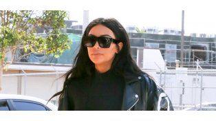 """Kim Kardashian """"no tiene qué ponerse"""" y subió esta imagen completamente desnuda"""