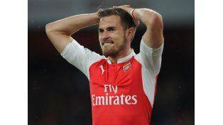 Sigue la maldición: Ramsey hizo un gol este fin de semana y murió otro famoso