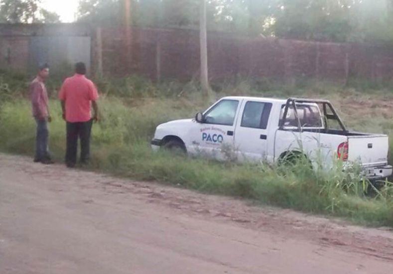 lLa camioneta que fue robada y abandonada por los jóvenes./ gentileza: reconquista.com.ar