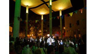 Más de dos mil personas vivieron una noche desopilante en El Molino