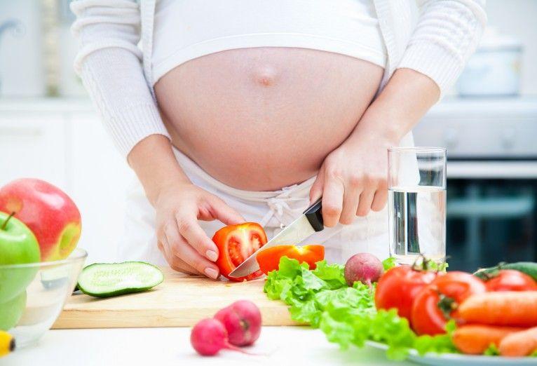 Mitos y verdades sobre la alimentación durante el embarazo