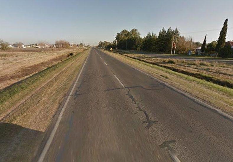 Manejó varios kilómetros con el cadáver de un motociclista enganchado del auto