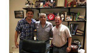 Hugo Moyano recibió a Sergio Aladio (derecha)