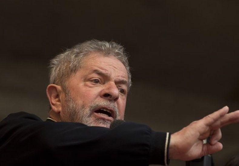 La policía allanó la casa expresidente brasileño Lula por el caso de corrupción