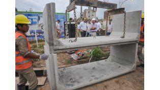 Cuenca Flores: avanza la obra del desagüe pluvial en calle Pavón