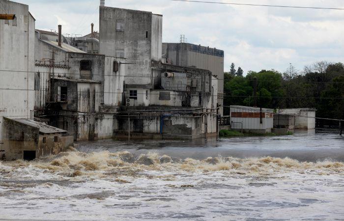 El Carcarañá subió y ya suman 28 personas las evacuadas. (foto: Silvina Salinas)