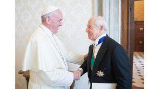 Buena onda entre el Papa y el embajador