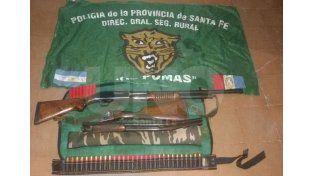 Decomisaron armas, cartuchos, redes de pesca y peces depredados