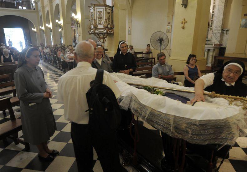 Ceremonia. Ante una decena de sacerdotes