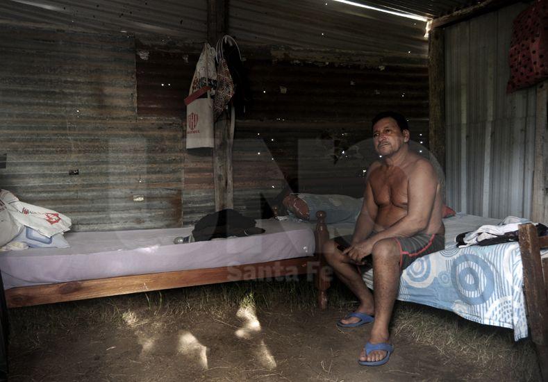Uno de los reclamos de los vecinos de La Vuelta del Paraguayo es que se levante el nivel del camino de ingreso.